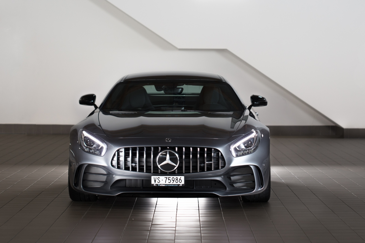 Mercedes AMG GT-R face